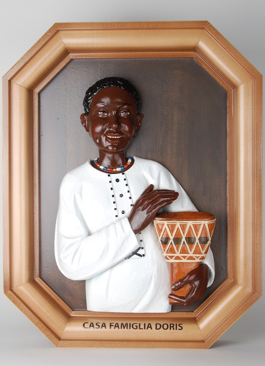 Black girl with bongo drum Bas-relief of a black girl with bongo